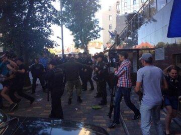 На сепаратистском митинге в Одессе «засекли» преподавателей госвузов (фото)