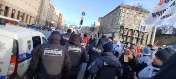 """Силовиков обвинили в краже вещей из палаточного городка ФОПов и побоях: """"Так зарождается диктатура"""""""