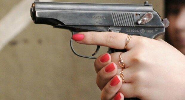 пистолет стрельба