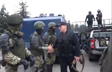 Бутусов рассказал о настоящем поражении Лукашенко:  «Вынужден схватиться за автомат»