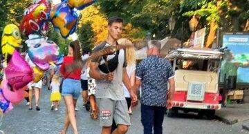 У центрі Одеси мучать тварин для розваги туристів: кадри дикості