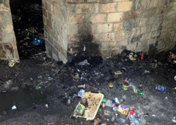Образив дитину: чоловіка облили пальним і підпалили в Києві, кадри