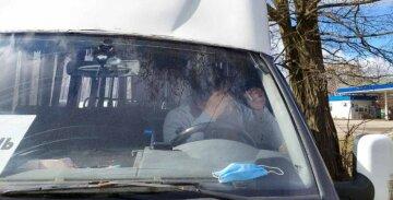 У Дніпрі водій вигнав дитину з маршрутки: висадив на півдорозі в незнайомому місці