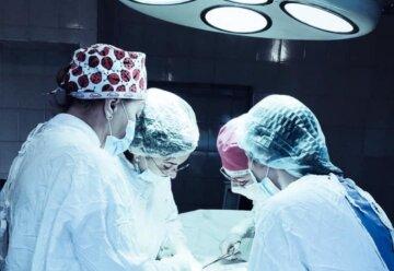 """""""Это что-то невероятное"""": украинке вырезали  шестикилограммовую опухоль-гиганта, фото"""