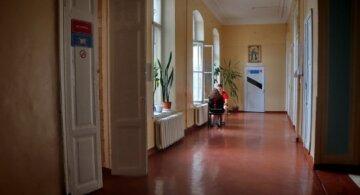 """Пацієнти показали реалії одеської лікарні, фото: """"У в'язниці умови кращі"""""""
