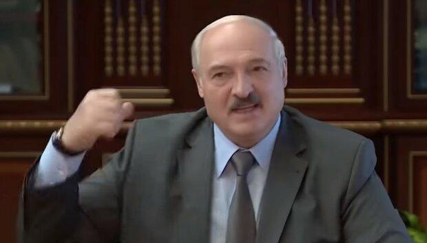 """Лукашенко пророкують незавидну долю після проникнення військових РФ: """"Зелені чоловічки захоплюють..."""""""