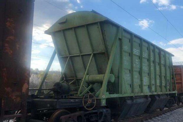 Спроба зробити селфі на поїзді закінчилася бідою: під Одесою борються за життя 18-річного хлопця