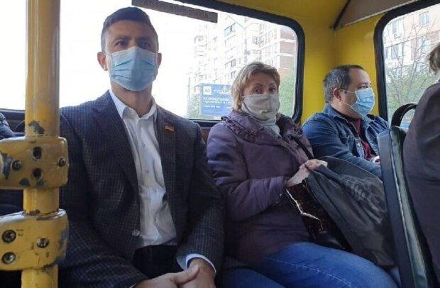 """""""У депутатів пільги"""": поїздка Тищенко в київській маршрутці обернулася ганьбою, з'явилося відео"""