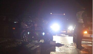 Страшна аварія на трасі Київ-Чоп: двоє людей у вкрай важкому стані, фото