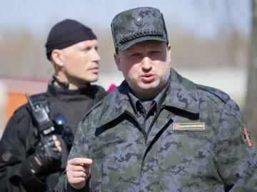 Срочно: Турчинов заявил о боях с РФ в Азовском море