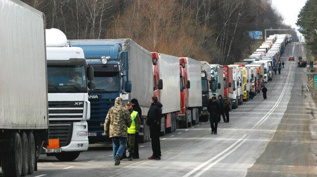 Кордон України перекрито, прибуло багато бійців АТО: що відбувається