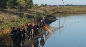 Диво-риба потрапила в мережі в Одеській затоці: кадри незвичайного улову