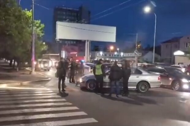 """Підліток влаштував гонки з поліцією на вулицях Одеси, відео: """"збив матір, а потім..."""""""