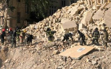 Житловий будинок обвалився в Одесі, квартал перекрито: кадри з місця НП і подробиці від очевидців