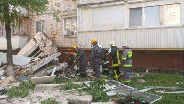 Взрыв жилого дома в Киеве: спасатели сообщили о новой угрозе, фото с места ЧП