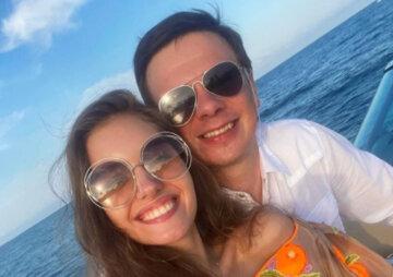 """Красотка-жена Дмитрия Комарова пленила изгибами в роскошной вышиванке: """"Обожаю такие..."""""""