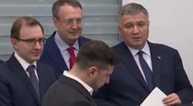 """""""Невозможно работать"""": Зеленский объяснил Авакову, что """"президент здесь только он"""""""