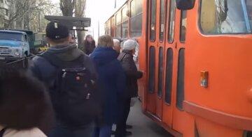 В Одесі шукають людей, які втратили документи в громадському транспорті: оприлюднено список