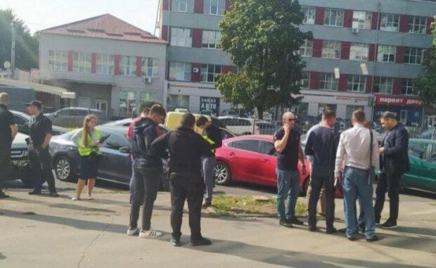 НП в центрі Харкова: жінку підстрелили і викрали авто з грошима, відео з місця подій