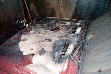 Активисту «Стоп Коррупции» сожгли машину: полиция бездействует (фото)