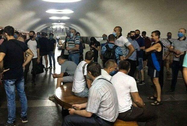"""""""Кому стало легше жити?"""": харків'ян розбурхала нова назва станції метро """"Московський проспект"""""""