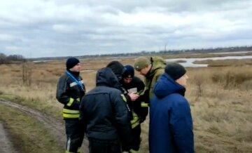Переполох під Києвом, на місце прибула техніка і десятки рятувальників: кадри з місця