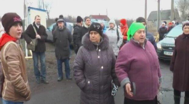 """Мешканка ОРДЛО наїлася """"руського миру"""" і замарила Україною: """"Дурна була, мізки затуманилися"""""""