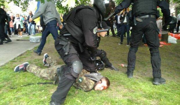 драка полиция