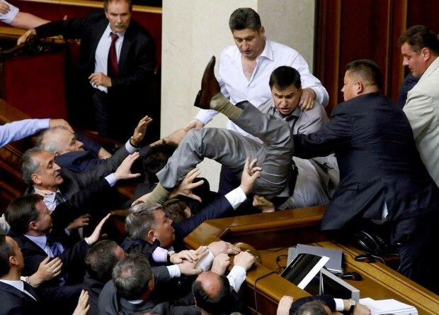 Телетайп: бесценные депутатские мощи