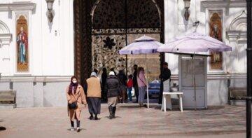 Холодний фронт нагряне в Одесу: синоптики повідомили, до чого готуватися на Вербну неділю