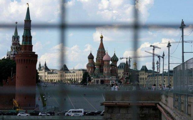 Журналіст висміяв пропаганду РФ: «Лякають своїх же, щоб управляти легше було»