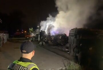 Масштабное ДТП на выезде из Киева: взрыв привел к жертвам, кадры трагедии