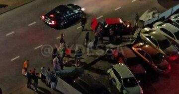 "Масштабное ДТП всполошило Одессу, фото: ""влетел на парковку и..."""