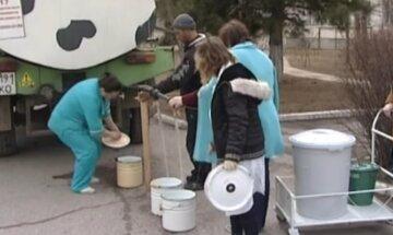 Крымчане ради добычи воды решились на отчаянный шаг: не брезгуют даже потерять здоровье, детали