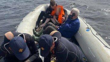Дівчинка та її нетвереза мати зникли посеред водосховища під Києвом: рятувальники кинулися на допомогу