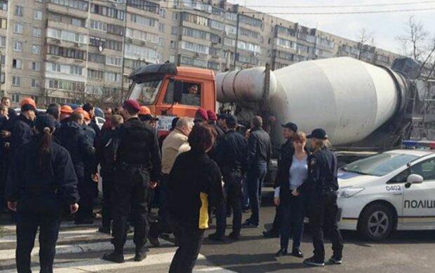 Стрілянина у Києві: конфлікт на скандальному будівництві розгорівся з новою силою