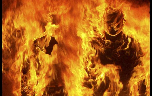 огонь пожар самоподжог горит