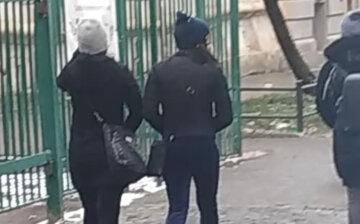 Банда девушек-воров орудует на улицах Львова, нападают средь бела дня: фото преступниц