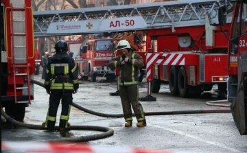 """Потужний вибух прогримів в Одесі, Свято-Успенський монастир у вогні: """"Підпалили в трьох місцях"""", фото"""