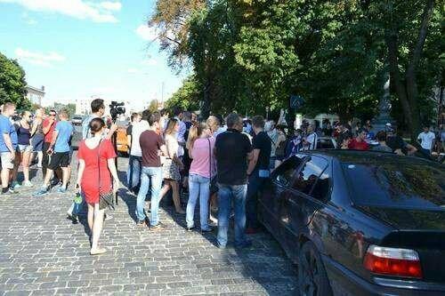 Бунт разгорелся в Харькове, у людей сдали нервы: первые кадры происходящего