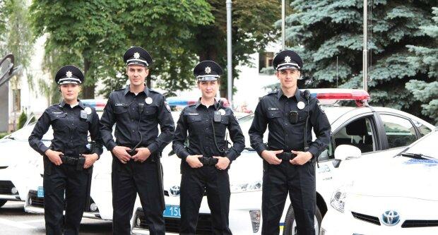 Украине необходимо вдвое больше полицейских