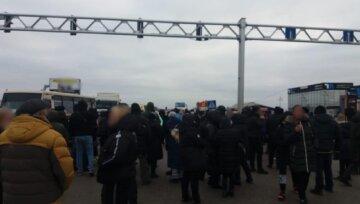 """Протесты  на """"7 километре"""", полиция массово карает митингующих: что им грозит"""