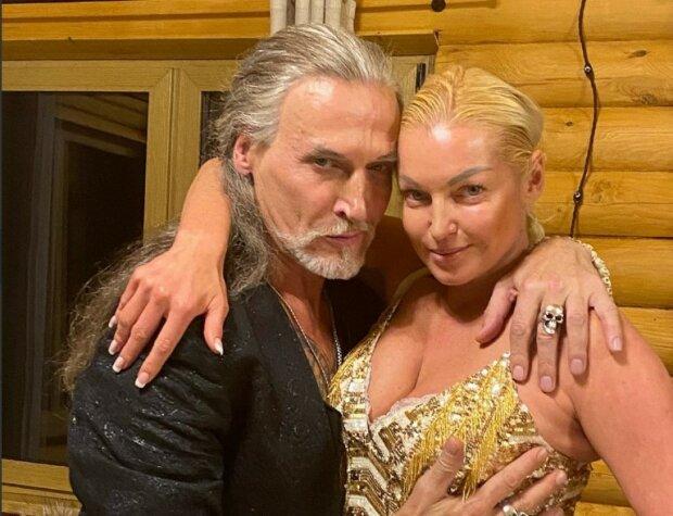 """Охмеліла Волочкова придалася """"утіхам"""" з Джигурдою, гарячі кадри: """"Ох, чекає Настусю…»"""