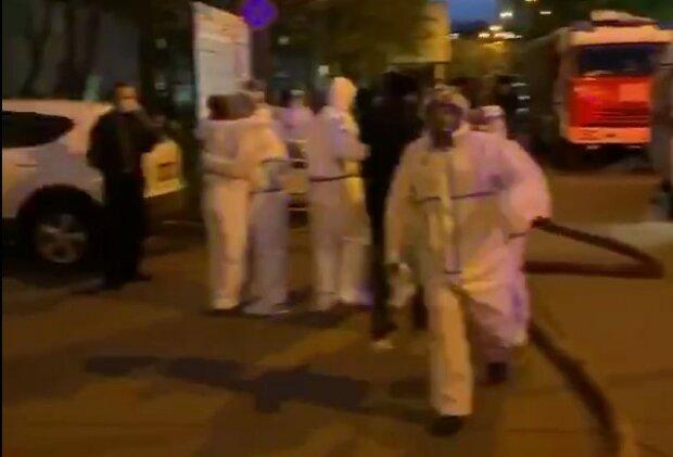 Смертельный пожар охватил больницу с зараженными в столице, срочная эвакуация: кадры с места