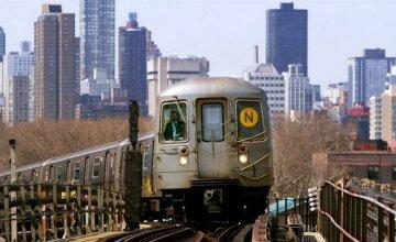 У американській підземці поїзд зійшов із рейок