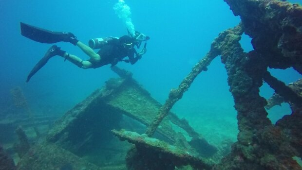 подводные археологи