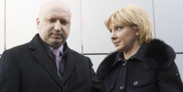 Жена Турчинова сравнила семейные отношения с богобоязненностью