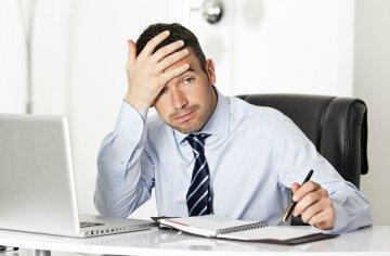 мужчина, стресс, голова, плохое самочувствие, работа в офисе
