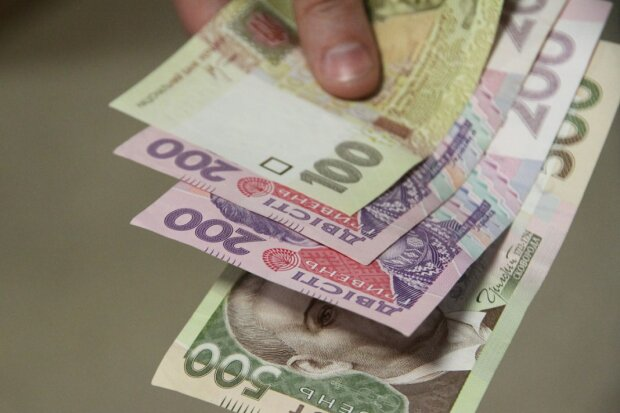 Более 100 грн: украинцев предупредили о взлете цен на сигареты