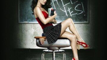 www.GetBg.net_Funny_wallpapers_Female_student_016923_